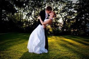 Wedding_Kiss.187184045